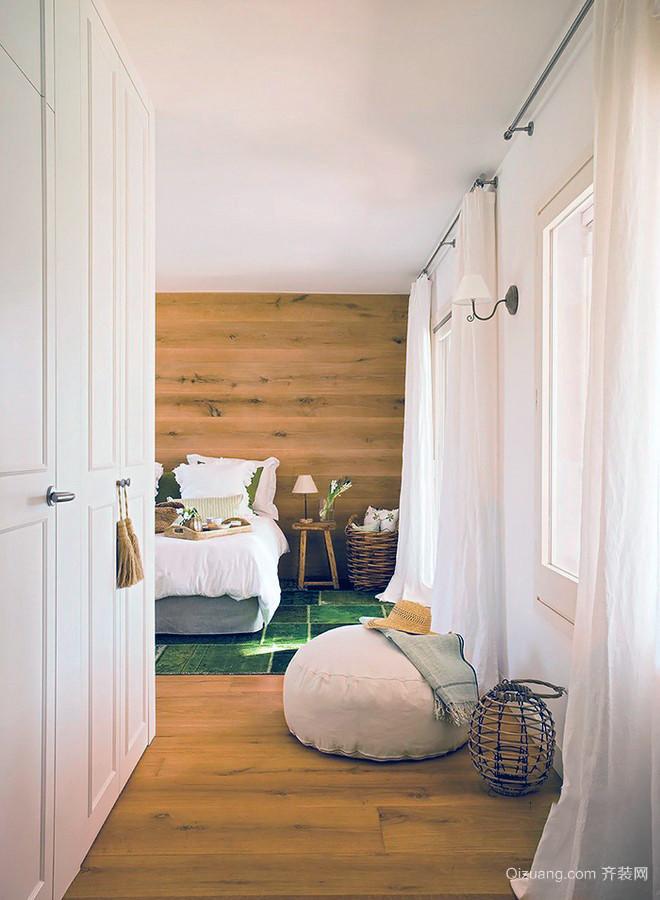 简约极致质感需求的客厅装修设计图