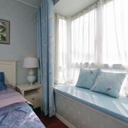 现代简约卧室地台设计