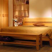 实木卧室床饰装饰