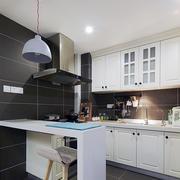 纯色调厨房设计图