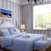 卧室简约风格原木地板装饰