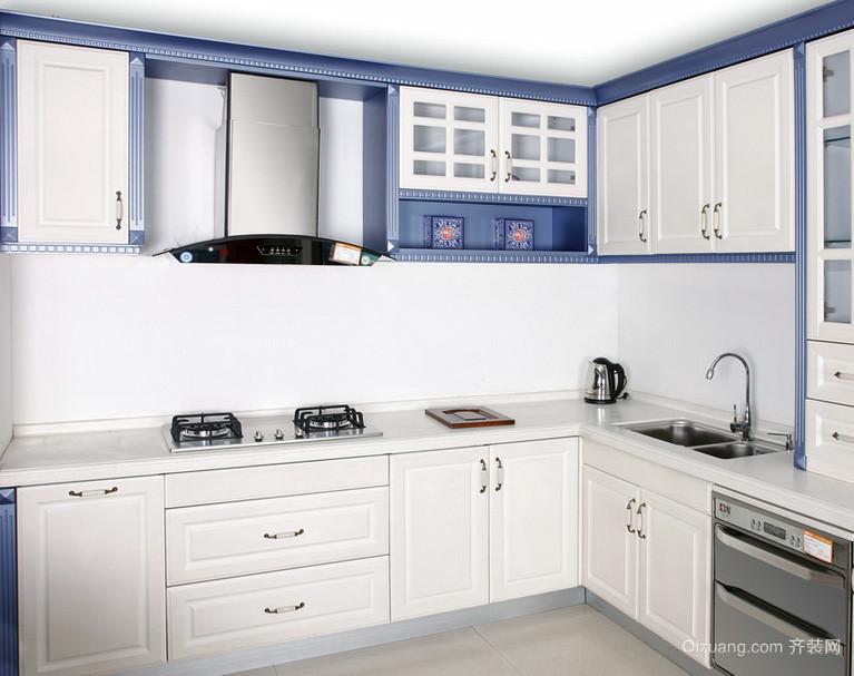 大户型欧式厨房整体橱柜装修效果图