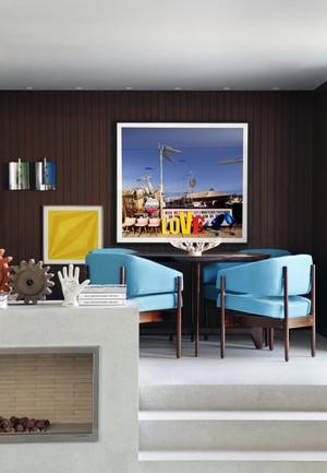 二层小户型别墅经典优雅式设计图例