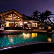 别墅夜景设计图片
