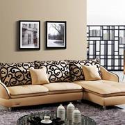 暖色调沙发效果图片