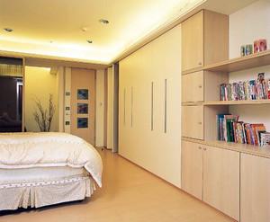 简约风格卧室原木地板装修效果图