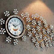 客厅像花一样的钟表设计