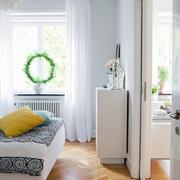 经济实用型小复式楼卧室飘窗