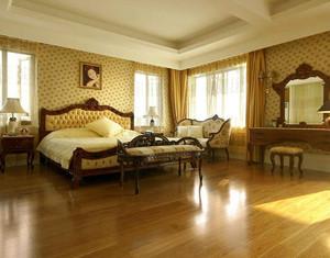 美式简约卧室菲林格尔木地板装修效果图