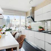 室内厨房白色橱柜欣赏