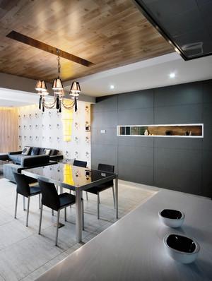 125平米欧式现代简约复式楼家居图示