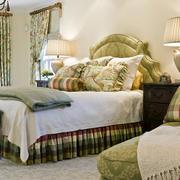 欧式卧室田园床饰装饰