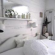 北欧风格白色背景墙装饰