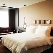 温馨素雅宾馆卧室