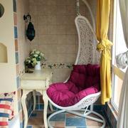 地中海风格阳台藤制吊椅装饰