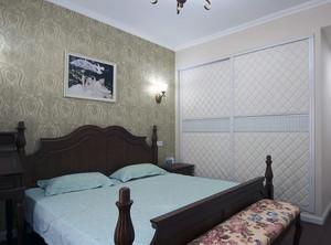精致大户型卧室索菲亚衣柜装修效果图片
