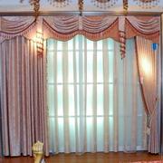 粉色清新风格别墅窗帘装饰