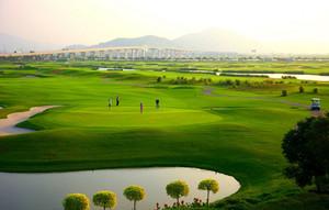 现代休闲北京高尔夫球场装修设计效果图
