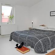 现代简约风格卧室纯白色背景墙