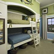 欧式奢华古堡风格儿童房床饰