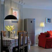 三室一厅餐厅白色背景墙