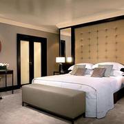 精致小户型卧室软包背景墙装修设计图