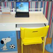 小户型大小适中儿童书桌效果图片