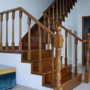舒适大户型室内实木楼梯装修设计效果图