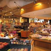 超市暖色装潢设计