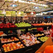 色彩鲜艳的超市图片