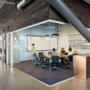 新颖时尚的办公会议室隔断
