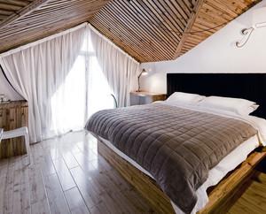 后现代风格简约榻榻米床装修效果图