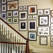 时尚现代复式楼楼梯照片墙设计效果图