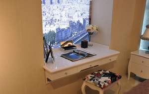 简约卧室飘窗小书桌装修设计效果图