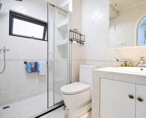 简洁宜家卫生间玻璃隔断装修设计效果图