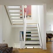 小户型简约风格楼梯设计装修效果图