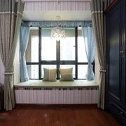 98平米美式复古小户型飘窗装修设计效果图