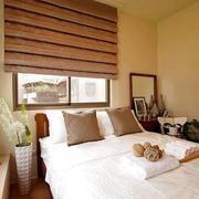 100平米房屋卧室床头背景墙装饰