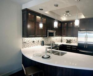 现代美式16平米厨房吧台装修设计效果图