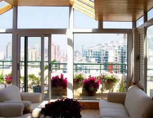 北欧风格清新休闲原木阳台装修效果图