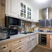 欧式别墅型厨房装修效果图