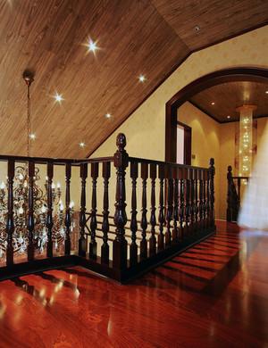 大户型欧式室内实木楼梯装修效果图