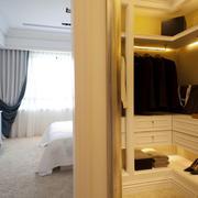 卧室步入式整体衣帽间装修设计效果图
