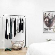 小户型简约风格客厅衣架装饰