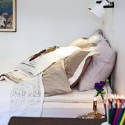 30平米都市风格卧室床头装修效果图