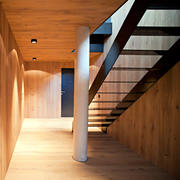 138平米家用实木楼梯设计装修效果图