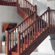 欧式大户型实木楼梯设计装修效果图