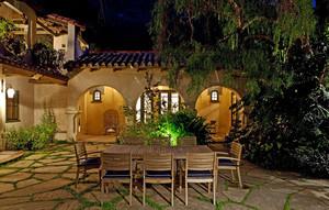 有情调的别墅庭院led灯装修设计效果图