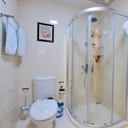 单身公寓现代简约风格洗手间装修效果图