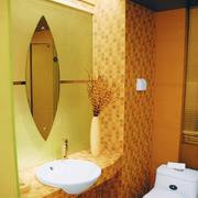 暖色调卫生间设计图